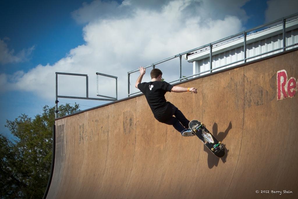 SkaterOnWall-8108