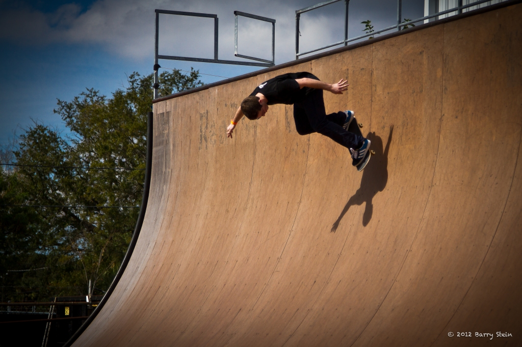 SkaterOnWall2-8100