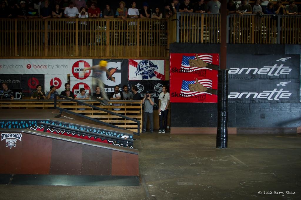 SkatersOnRail-8004