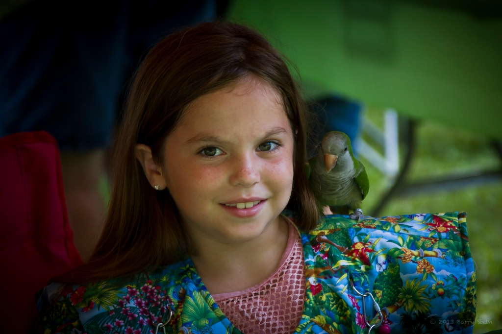 LittleGirlWithBird-3248