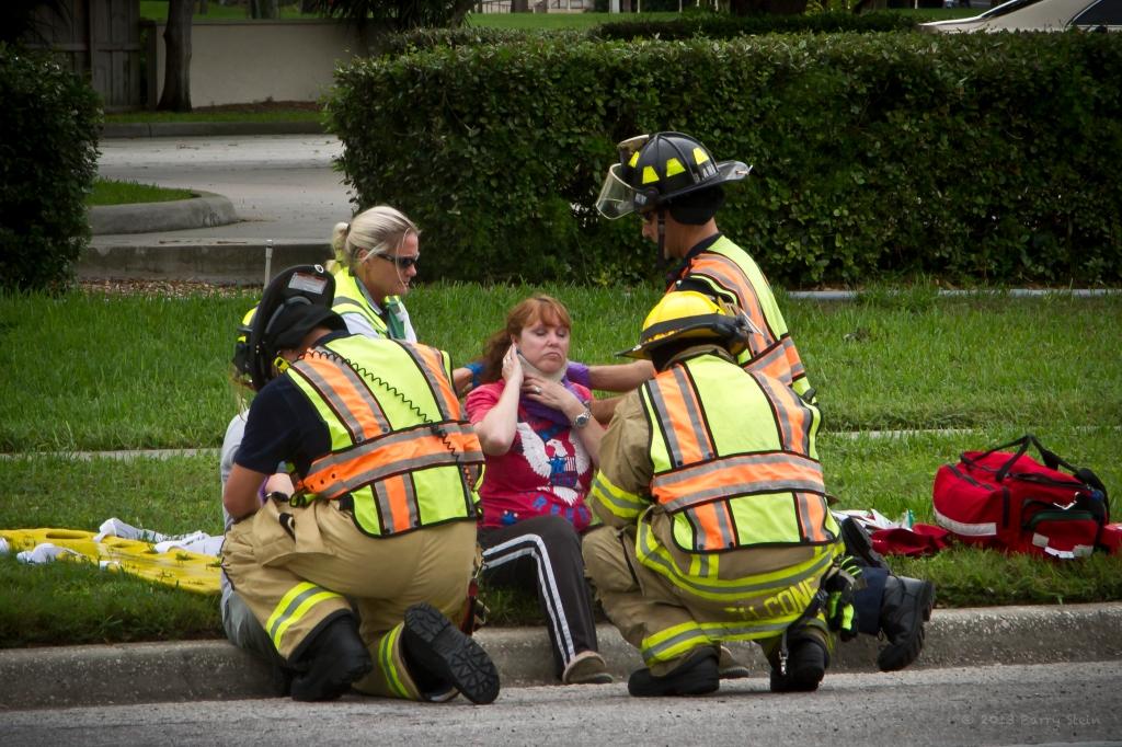 BradentonAccident26CrouchingHerosCloseUp-4482