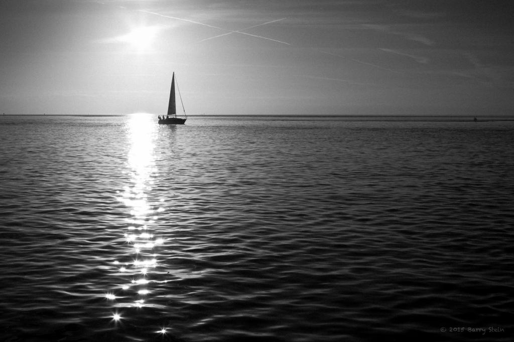BandWSailboat-1116
